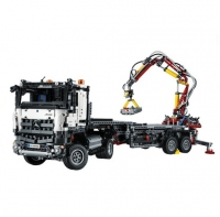 "Конструктор Lego Technic ""Mercedes-Benz Arocs 3245"" (42043)"